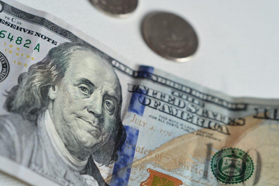 Money Dollars American Dollars  - olgalionart / Pixabay